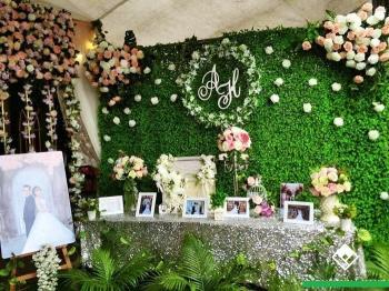 Trang trí nhà hàng tiệc cưới bằng cỏ nhân tạo