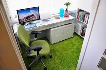 Thảm cỏ trải văn phòng, trải nơi làm việc, trang trí phòng làm việc.